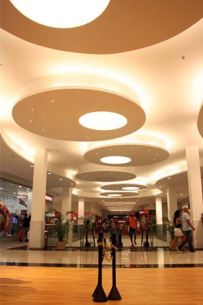 Luminária em tela Tensoflex – Shopping Carioca