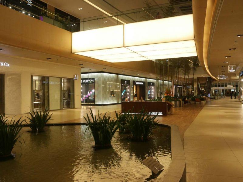 Luminárias em tela Tensoflex – Village Mall