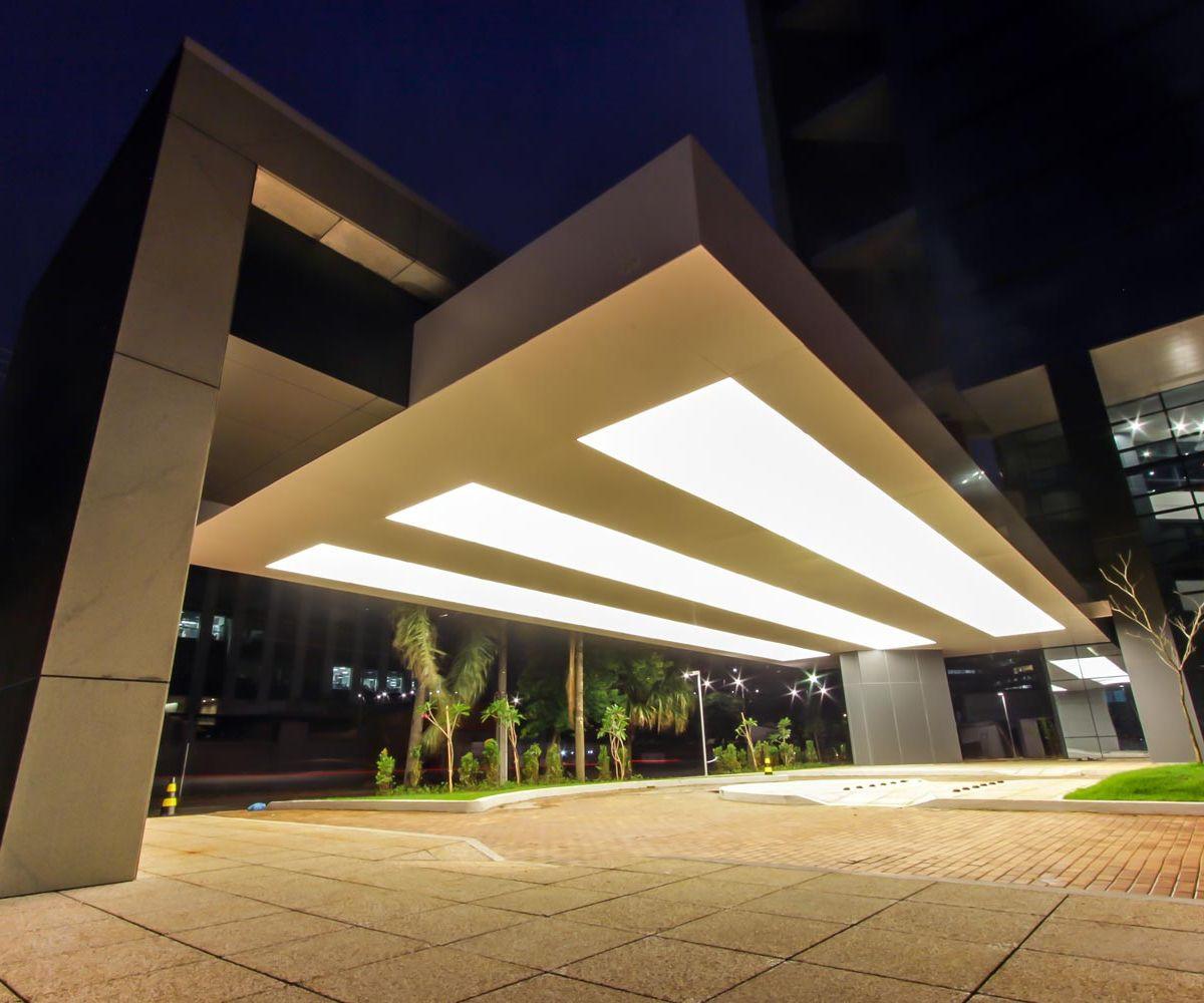 Luminárias em telas Tensoflex translúcidas – Edifício Ventur Faria Lima